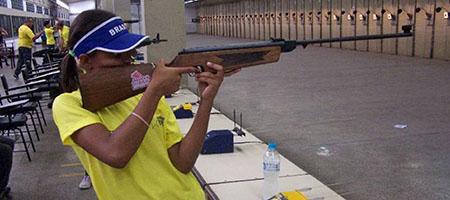 Atleta de Oeiras se destaca em competições nacionais de tiro esportivo capa