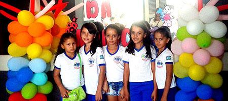 Alunos de Oeiras aproveitam programação em alusão ao Dia das Crianças capa